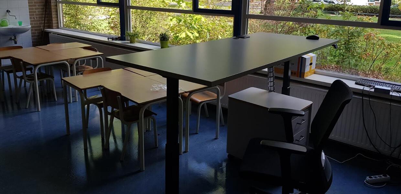 Wendakker-school-zit-sta-bureaus